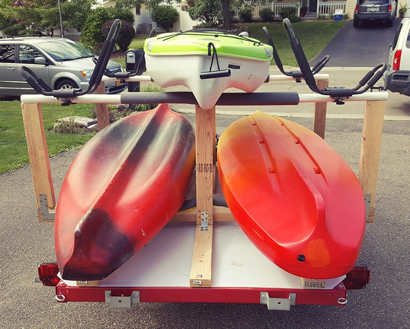 rear view of finished kayak trailer